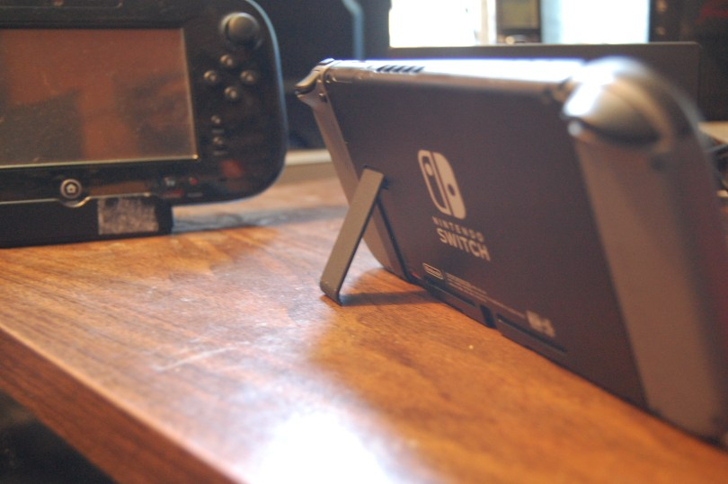 Nintendo Switch, flimsy stand