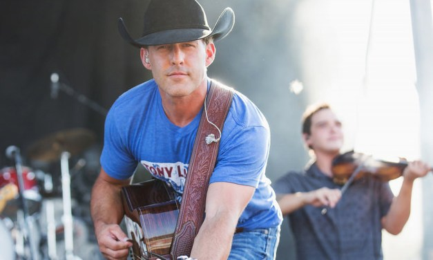 Heartbreakers of West Texas: Aaron Watson with Randall King at Hurricane Harry's