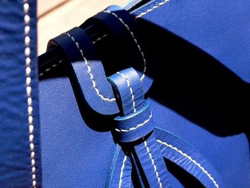 sac-sur-mesure-en-cuir-bleu-de-mme-barreau-izaho-maroquinerie-madagascar-14