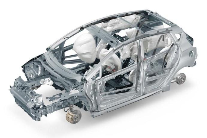 Carrocería del nuevo Ford Fiesta, con air bags, cinturones y asientos.