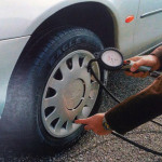 Revisar la presión de los neumáticos puede evitarte sorpresas desagradables en la carretera y en el bolsillo.