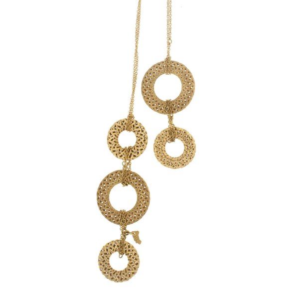 Long necklace in yellow gold.