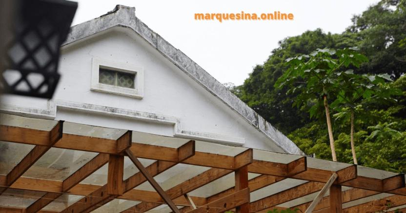 Marquesinas y pérgolas de pared