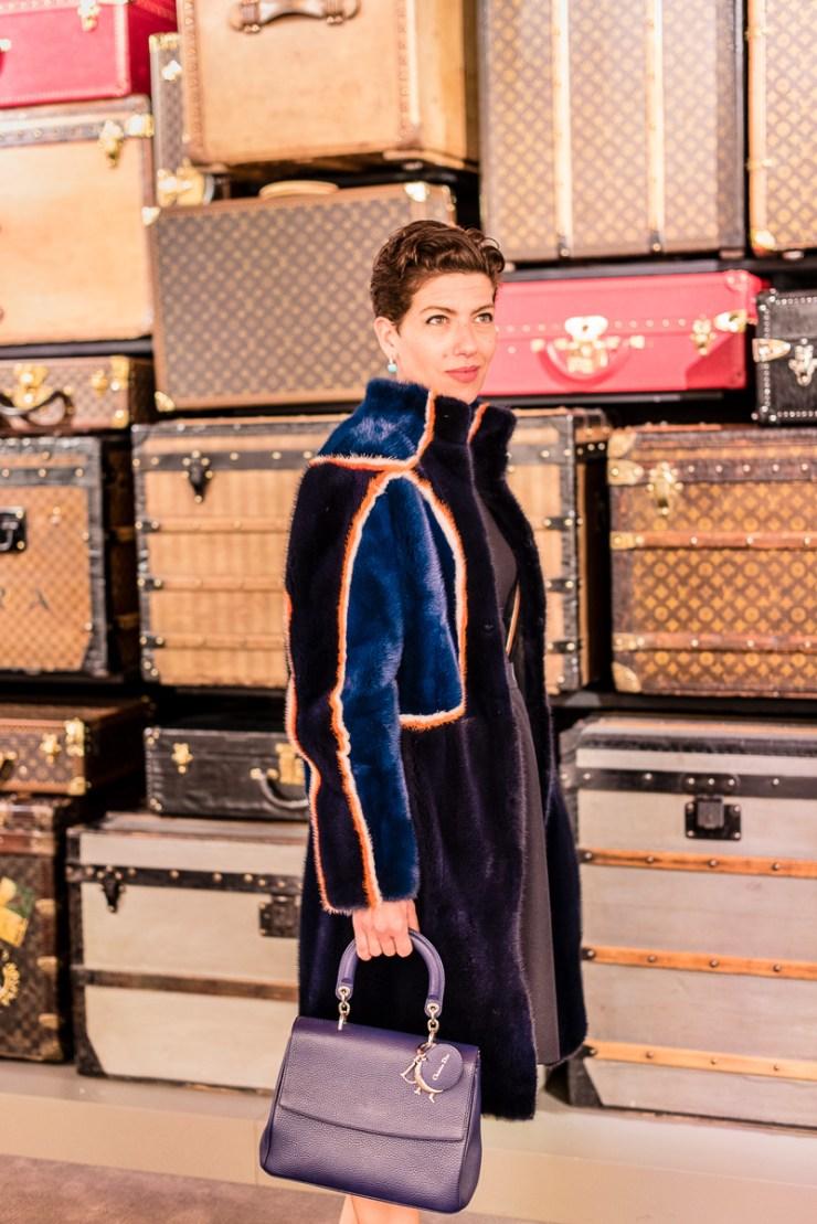 Fourrure Fendi et malles Louis Vuitton