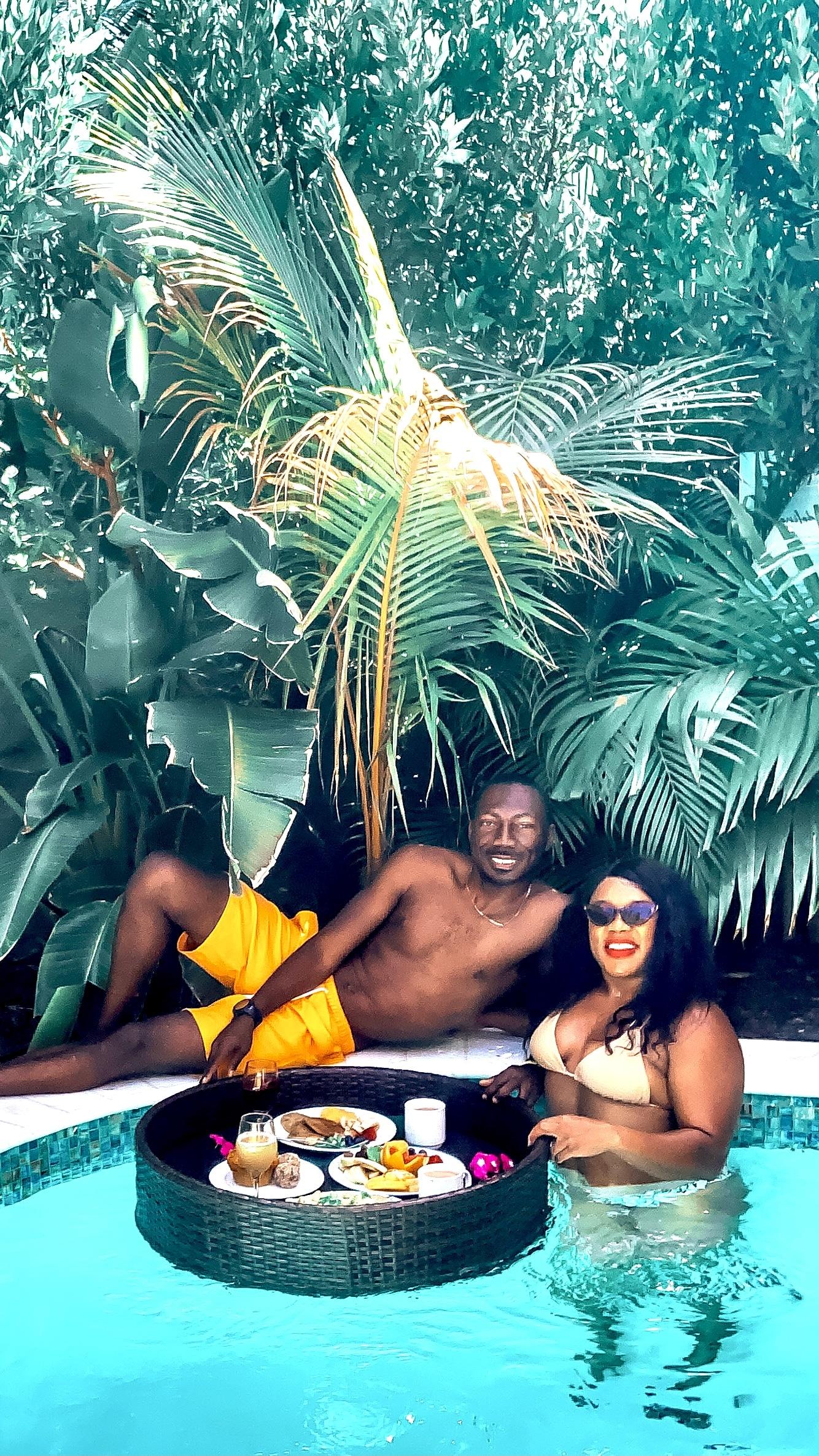 Aruba Anniversary Trip: Couples Floating Breakfast