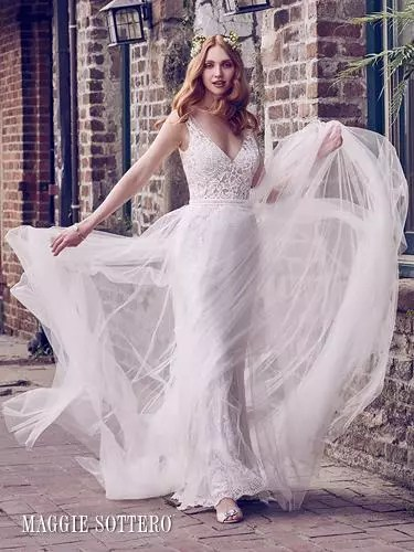 Wedding Dresses For All Seasons – Styles To Suit Your Wedding Date
