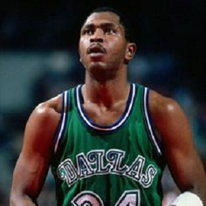 Mark Aguirre Biography - Affair, Married, Wife, Ethnicity