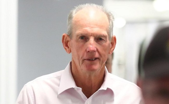 Australian Coach Wayne Bennett His Weird Handshake Career