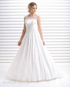 Brautkleid aus Spitze und Chiffon