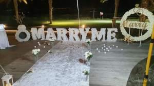הצעת נישואין במסעדה