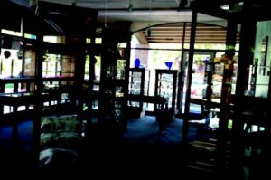 deLuna Jewelers Interior