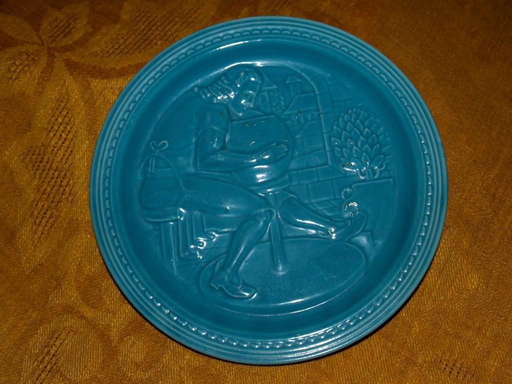 World's Fair pottery