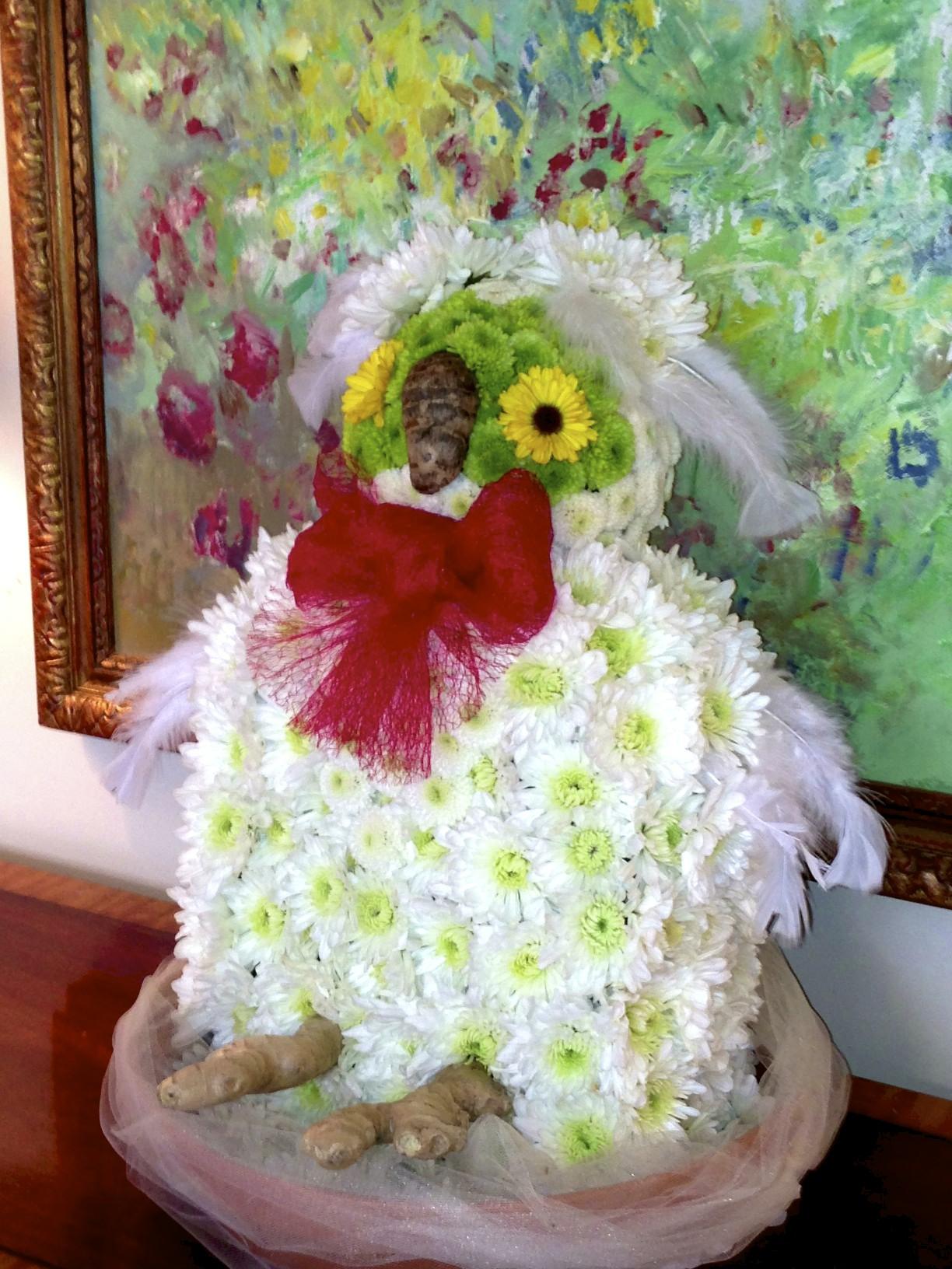 Chi Omega bid day, flowers, owl