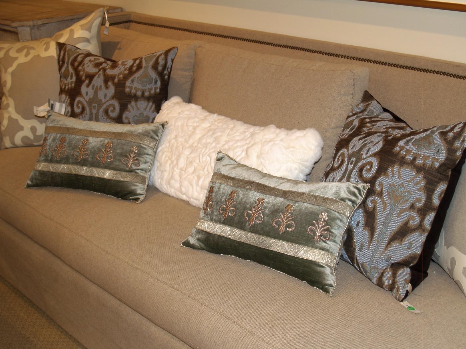 B Viz Design, pillows, sofa