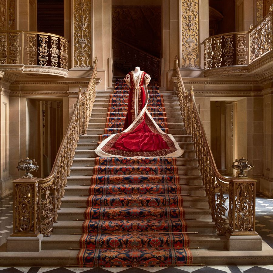 Five-Centuries-of-Fashion-at-Chatsworth