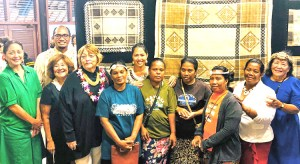 Jaki-ed weavers with the organizers of the Jaki-ed exhibit and auction at Bishop Museum in Honolulu. Photo: Catherine Murphy-Hardin