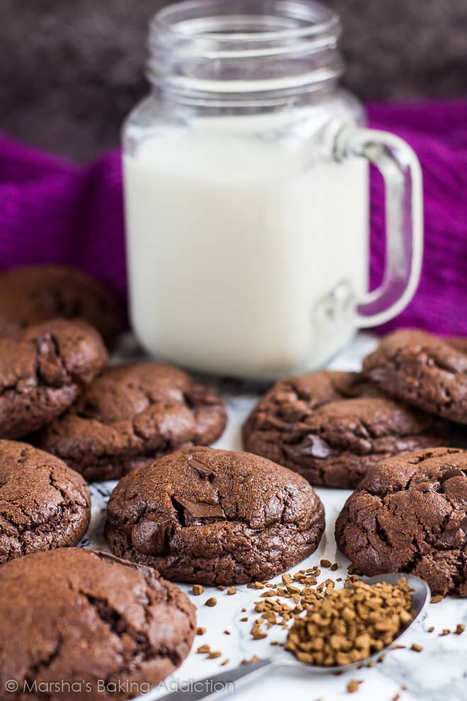 Chocolate Chip Mocha Cookies | marshasbakingaddiction.com @marshasbakeblog