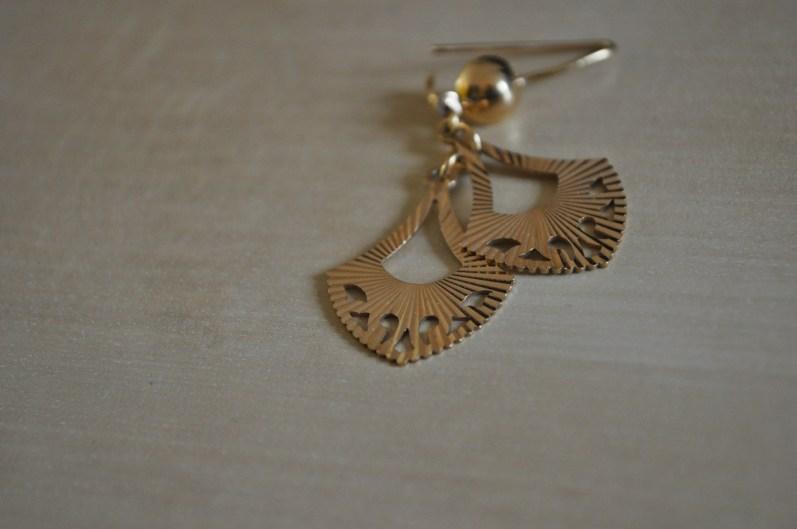 Gold earrings - from Sri Lanka