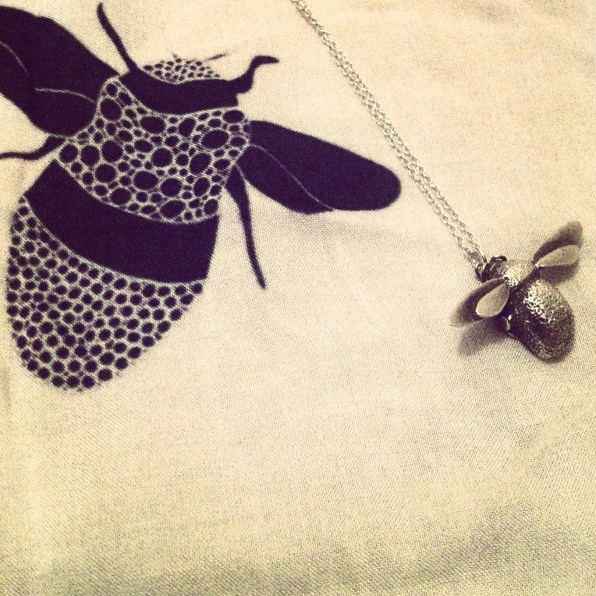 Bee necklace - Alex Monroe