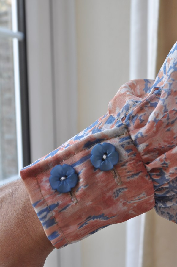 Dainty blue flower buttons