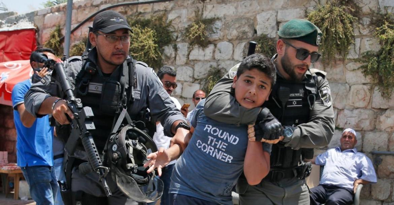 المشكلات النفسية التي يعانيها الأطفال الفلسطينيين في ظل الحرب