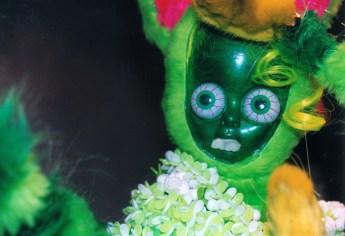 Green Insect-Bunny Hybrid, ©2000 Marsian De Lellis