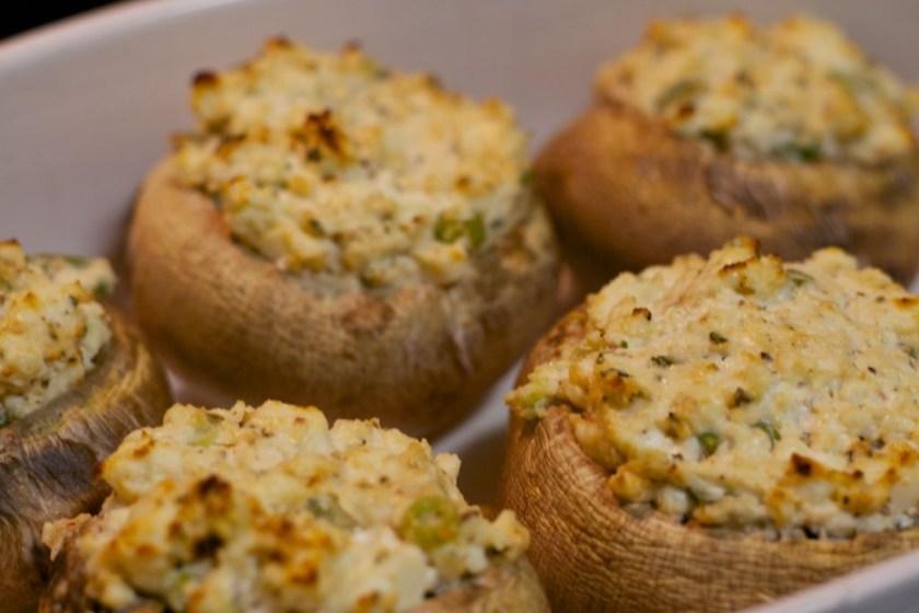 Gefüllte Champignons vegetarisch