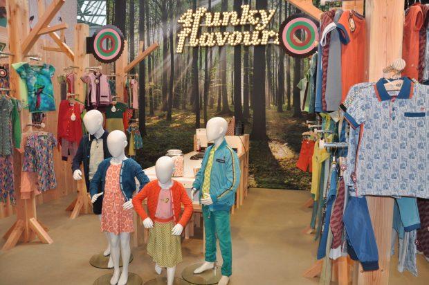 De stand van 4 Funky Flavours sprong er uit qua vormgeving, zo mooi! Je zou bijna vergeten dat de kleding ook te gek is. Zit heerlijk, valt mooi en heel kleurrijk <3