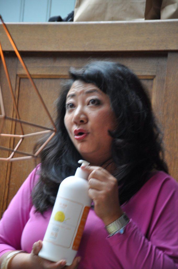 Organisator Melissa Tan vertelt over haar 'kindje' Happy Sunshine, de zonnebrandcreme zonder rommel.