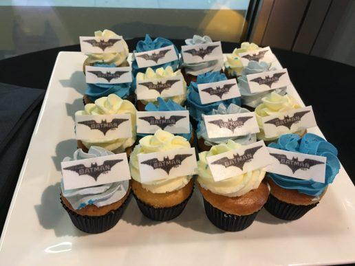 batman lego cupcake