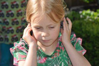 schokbestendige koptelefoon