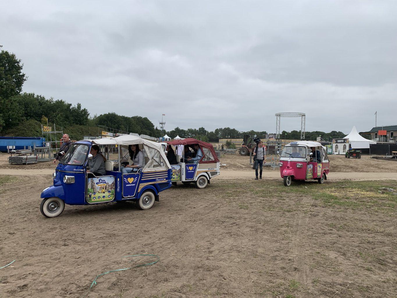 zwarte cross tuktuk