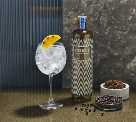 cocktails maken bobby gin