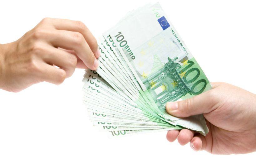 6 consejos para prestar dinero a un conocido