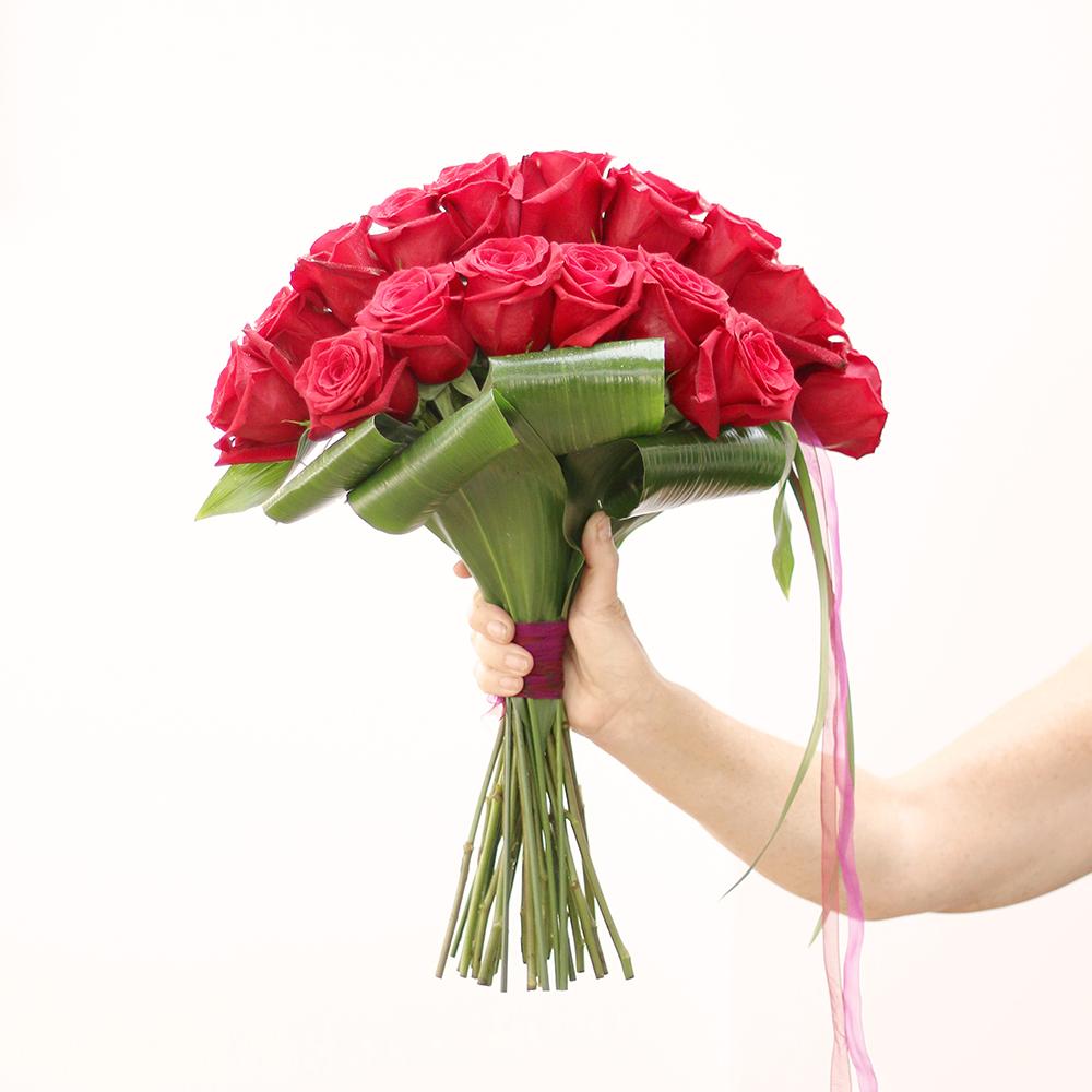 ramo rosas rojas martamajo flors arte flroal regalo