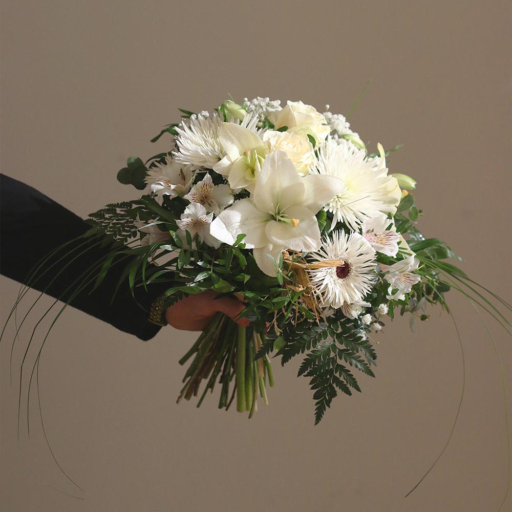 san valentin amor ramo flores floristeria blanco martamajo flors lilium rosas sant feliu de llobregat barcelona