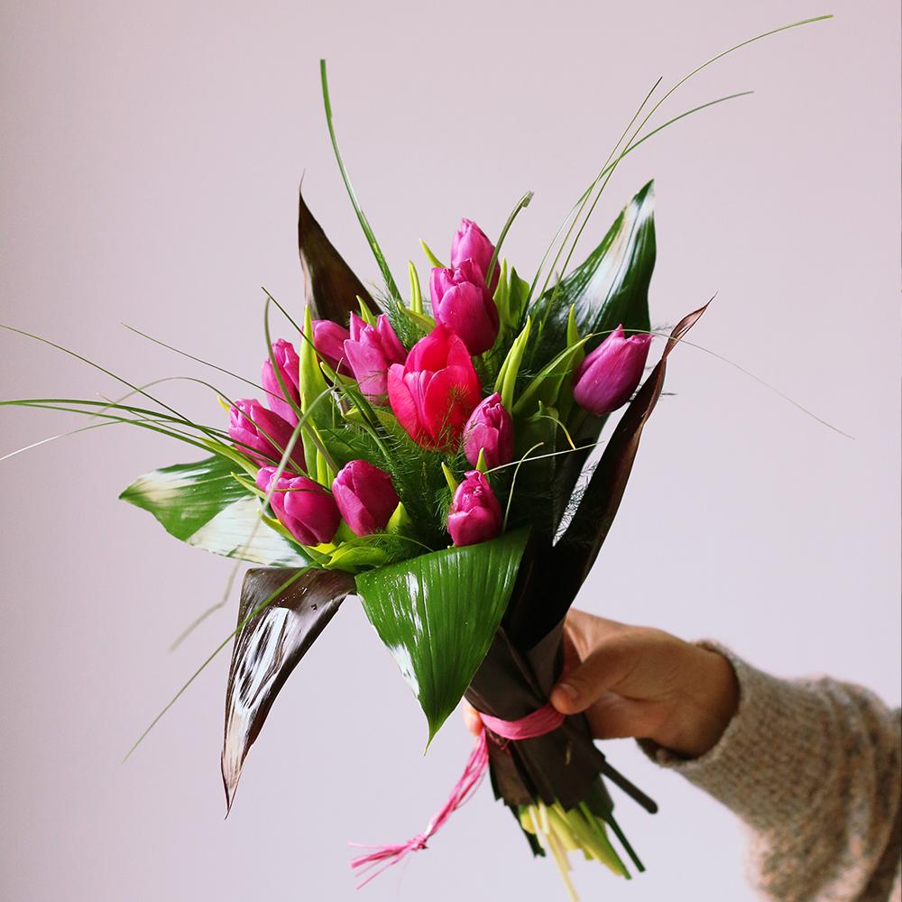 ramo tulipanes flor natural día de la mujer lila floristeria martamajo flors sant feliu de llobregat barcelona 8m ocho de marzo