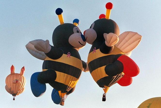 kissing bumble bees