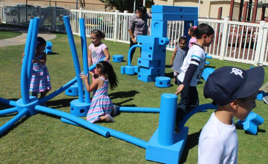 Imagination Playground in a Cart Play System