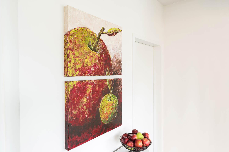 Apples, zweiteiliges Acrylbild auf Leinwand (4cm) im Format 60x40 cm. Abstrakte Spachteltechnik, zwei Äpfel auf Kundenwunsch in Rot und Grün gestaltet.