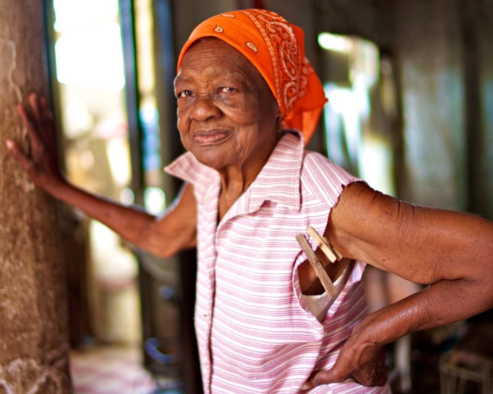 Femme au coeur de la vieille Havane