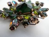 Weiss green India Inspired brooch detail photo