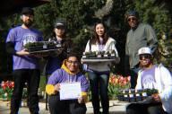 Avila volunteers