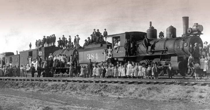Storyteller Unveils Lives of Orphan Train Children at Library Event