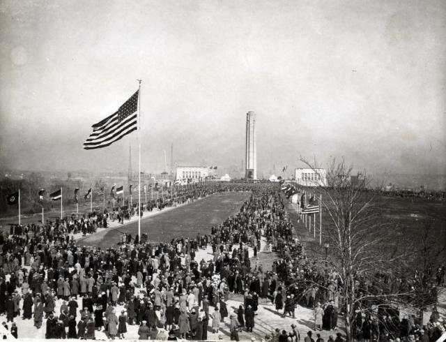 1926_dedication_looking_north_from_mall_entrance.jpg