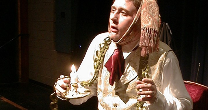 Nationally known actor portrays  Christmas Carol characters at Red Bridge Library