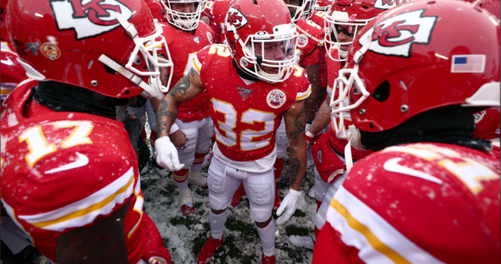 After a snowy win, Chiefs travel to the Windy City