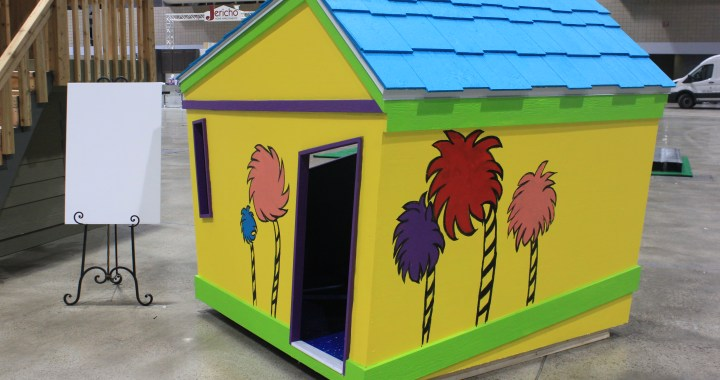 Children's playhouses auctioned off to benefit Veterans Community Project