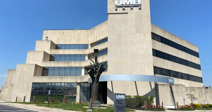 Tenants leave UMB Bank building as plans for its demolition materialize