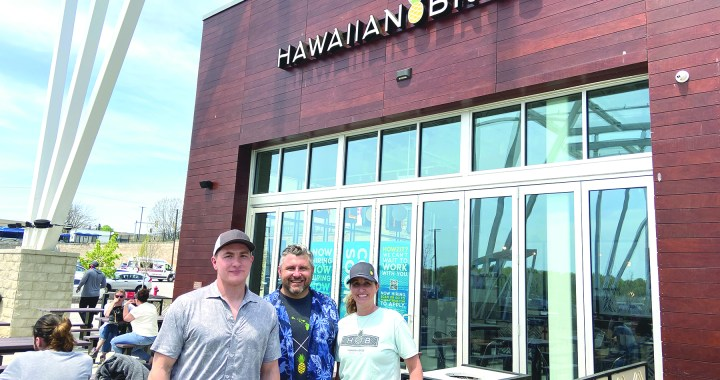 Hawaiian Bros. opens at Ward Parkway Center